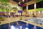 Отель FM7 Resort Hotel Jakarta