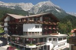 Отель Hotel Alpin Scheffau