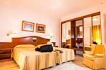 Отель Abades Loja