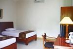 Отель Hotel Ratih