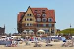 Отель Beach Hotel - Auberge des Rois