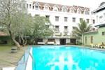 Отель Queen's Hotel