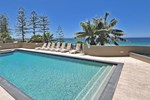 Отель Clubb Coolum Beach Resort