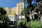 Отель Golf Hotel René Capt