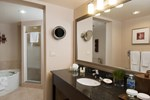 Отель Holiday Inn & Suites Ottawa West - Kanata