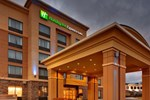 Отель Holiday Inn Express Hotel & Suites Kingston