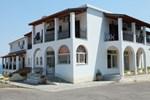 Отель Hotel Yannis