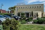 Henlex Hotel