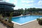 Отель Millau Hotel Club