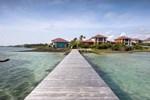 Отель Le Cap Est Lagoon Resort & Spa