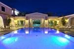 Отель Cala Ginepro Hotel Resort