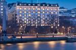Отель The Savoy