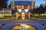 Отель Crowne Plaza Cabana Hotel