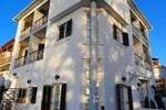 Karavos Hotel