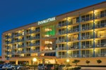 Отель DoubleTree Beach Resort by Hilton Tampa Bay/North
