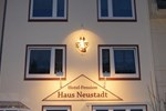 Гостевой дом Hotel-Pension Haus Neustadt