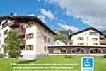 Отель Guesthouse + Aparthotel Chesa Silva
