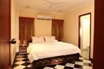 Meenakshi's Sunshine Hotel