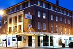 Отель Hotel Gosford