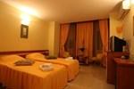 Отель Hotel Traian