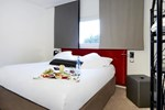 Отель Kyriad Frejus - Centre