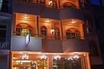 Отель Loona Hotel