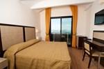 Отель Hotel Joli