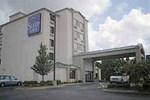 Отель Sleep Inn Airport