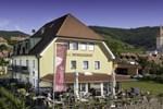Отель Hotel Garni Weinquadrat