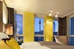 Отель Hotel Indigo Berlin-Alexanderplatz
