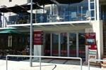 Отель Clarion Suites Mullaloo Beach
