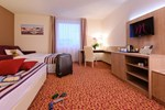 Отель Mercure Hotel Hamburg am Volkspark