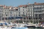Отель Hotel La Marine
