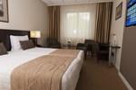 Отель Hotel De Zoete Inval