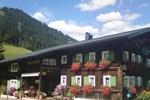 Отель Schusterhof