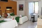 Отель Hotel Maya Tulipanes