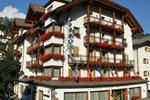 Отель Hotel Dolomiti Madonna