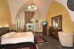 Отель Hameiri Estate