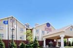 Отель Comfort Suites Milwaukee Airport