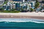 Отель Rolling Surf Resort