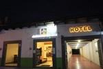 Отель Hotel Jardines de Luz