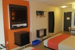 Отель Motel 6 Headingley Winnipeg West