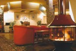 McNevins Warwick Motel