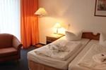 Отель Hotel Zum Strand