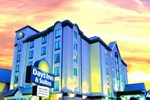 Отель Days Inn & Suites - Niagara Falls, Center St., By the Fall