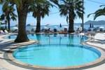 Отель Marias Beach Hotel