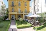 Отель Hotel Alibi