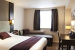 Отель Premier Inn London Kew