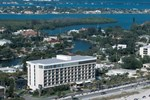 Отель Holiday Inn Sarasota-Lido Beach at the Beach