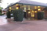 Cascades Motor Inn